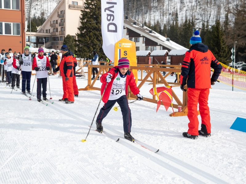Na Štrbskom plese organizátori pripravili aj súťaže v bežeckom lyžovaní