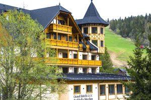 grand hotel strachan